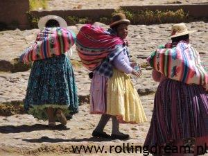 Bolivia copacobana women